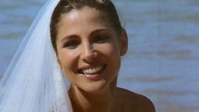 Elsa Pataky posa con el traje de novia con el que contrajo matrimonio con Chris Hemsworth.
