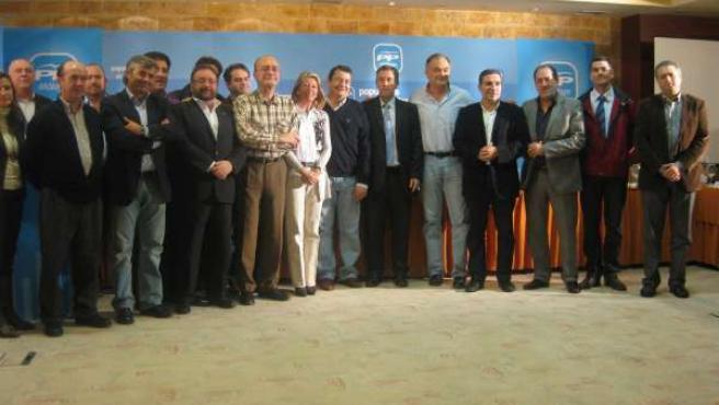Integrantes del PP en la reunión del Consejo de Alcaldes
