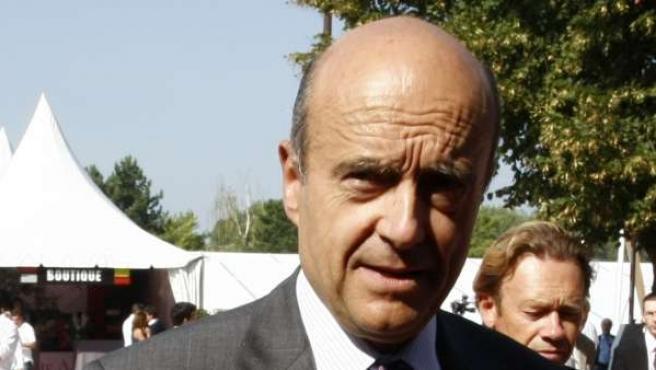 El Ministro de Defensa francés, Alain Juppé.