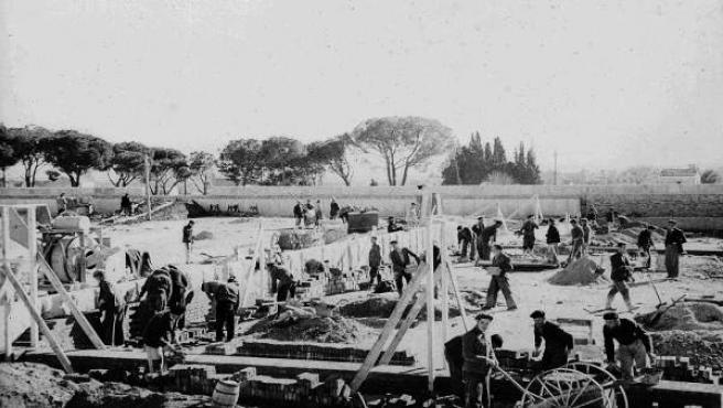 Presos, en 1942, en las obras de construcción de la cárcel de Carabanchel.