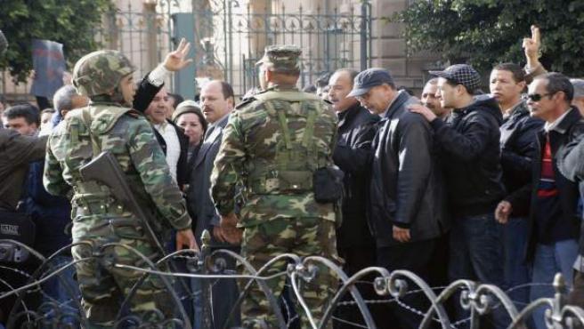 Una protesta contra el presidente de Túnez.