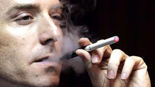 Cigarrillo electrónico.