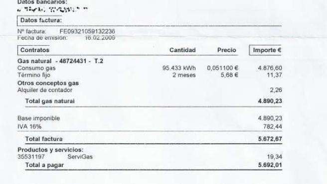 Esta fue la factura de casi 6.000 euros que Vanesa Toribio recibió en su domicilio.