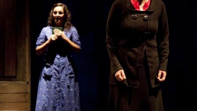 """Teatro Doatlántico Ofrece No Salón Teatro Catro Funcións De """"Memoria De Helena E"""