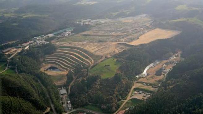 Vertedero de Serín, en Asturias