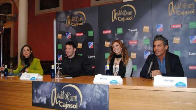 Rosa Santos (Cajasol), Andy, Merche y Pitingo presentan el Auditorium Cajasol