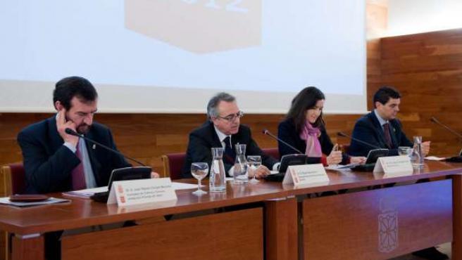 La mesa de la presidencia en la reunión de la Comisión Organizadora, celebrada e