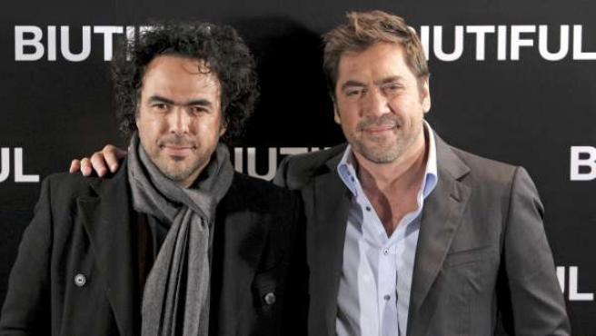 El actor español, Javier Bardem, en una imagen de archivo con Alejandro González Iñárritu, director de 'Biutiful'.