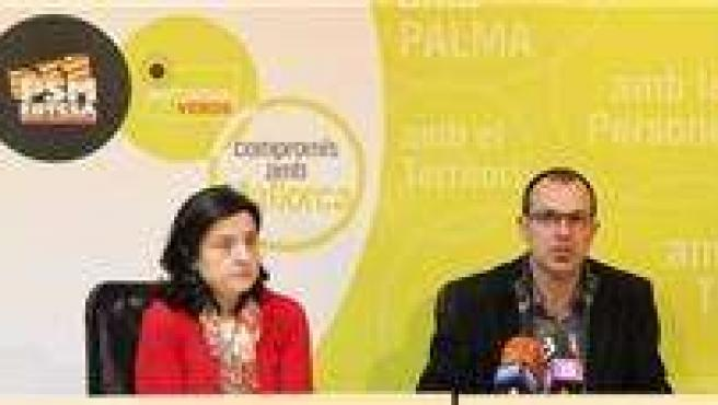 Fina Santiago y Biel Barceló.