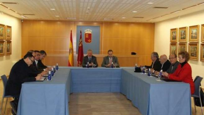 El presidente de la Comunidad, Ramón Luis Valcárcel acompañado por el consejero