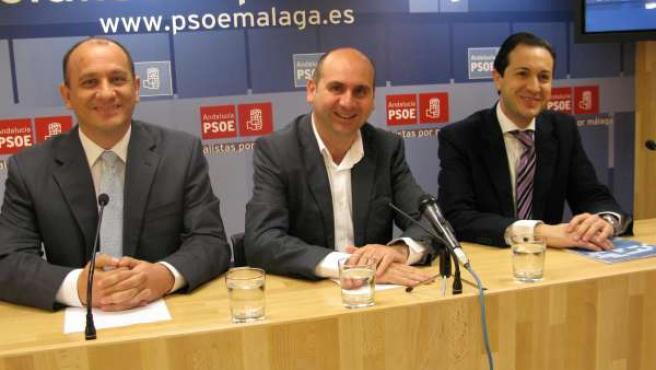Conejo, Cañestro, García León en la rueda de prensa