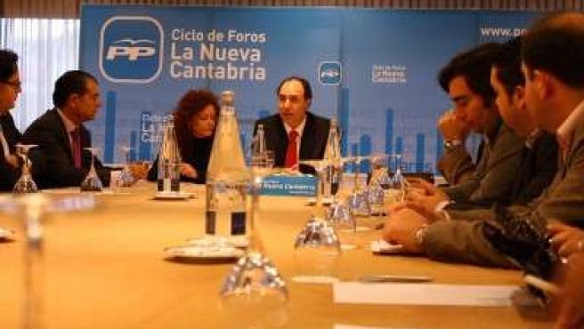 Ignacio Diego en su encuentro con el sector turístico