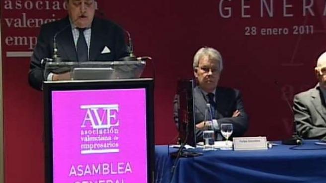González pide el mayor respaldo a las reformas