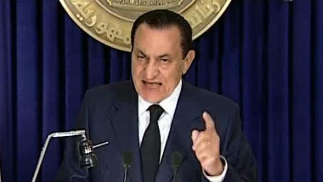 El presidente egipcio Hosni Mubarak durante su discurso, en el que ha anunciado que no se presentará a otro mandato.