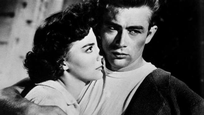 James y Natalie Wood en una escena de 'Rebelde sin causa'.