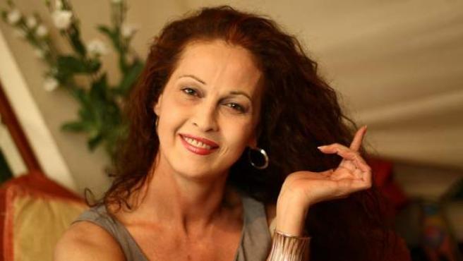 Carla Antonelli, posando este lunes en el salón de su piso de Arganzuela.