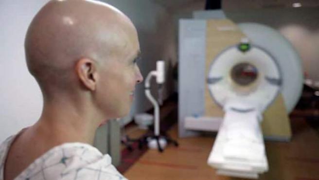 La pérdida del cabello es una de las consecuencias más visibles de la quimioterapia.