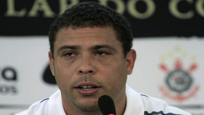 Ronaldo se despide del fútbol con lágrimas.