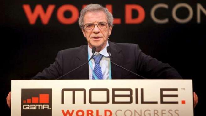 El presidente de Telefónica, César Alierta, durante su intervención en el Mobile World Congress.
