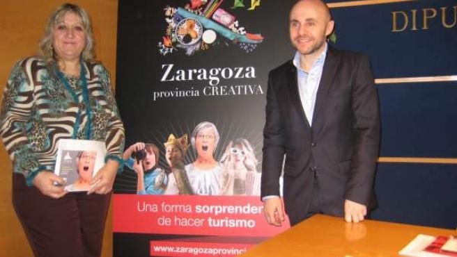 La diputada delegada de Turismo de la DPZ, María José Navarro, y el gerente del