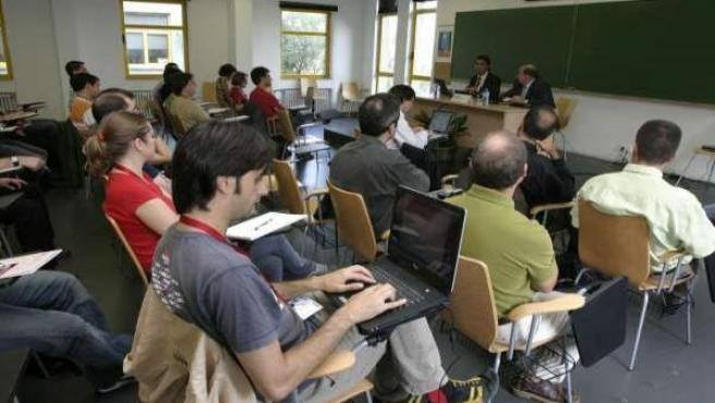 Algunos estudiantes durante una clase.