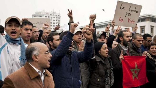 Manifestantes marroquíes de diversos grupos sociales se han congregado en Casablanca, en una concentración pacífica.
