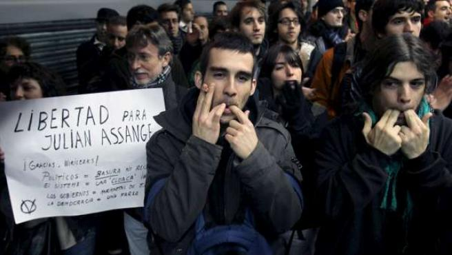 Imagen de archivo de una protesta en Barcelona convocada por la plataforma de internautas Free Wikileaks.