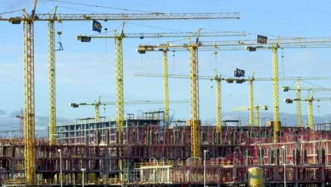 Nuevo desarrollo urbanístico en plena construcción.