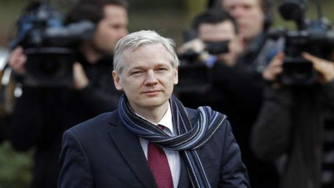 Julian Assange, a su llegada a un tribunal de Londres.