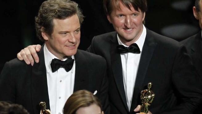 Colin Firth y Tom Hooper, ganadores del Oscar a mejor actor y el Oscar a mejor director respectivamente por el 'El discurso del rey'. El largometraje también se ha llevado el galardón a mejor película.