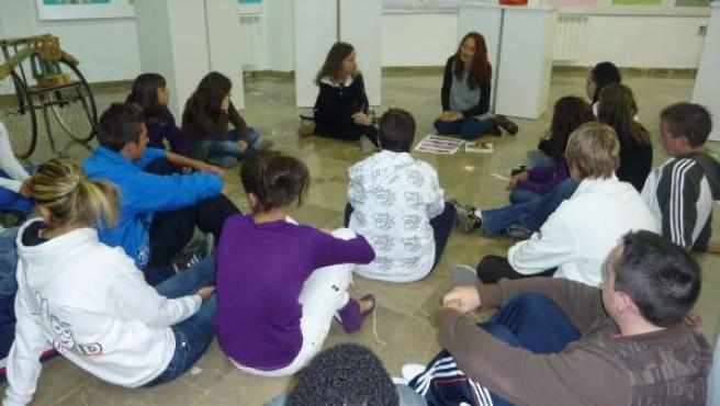 Varios alumnos de Secundaria, durante una clase.