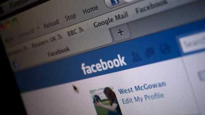 La red social Facebook supera los 500 millones de usuarios.