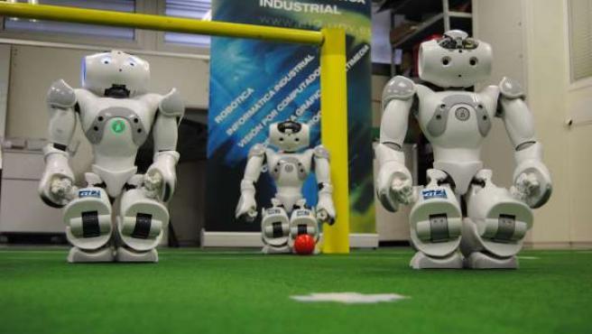 Robots de la UPV y la UM que participarán en la Robocup