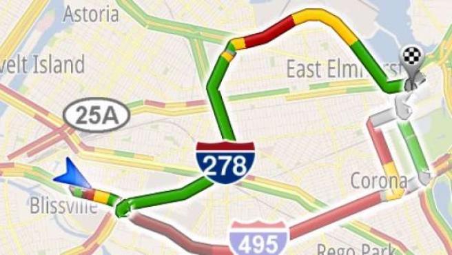 Google Maps Navigation ofrece rutas alternativas ante un atasco.