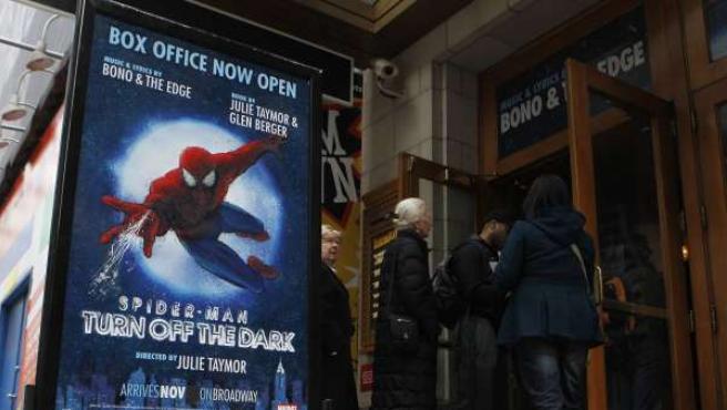 Cartel promocional del musical 'Spiderman' en Broadway.