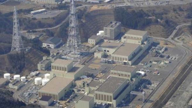 Vista aérea de la central nuclear de Onagawa tras el terremoto y el tsunami que provocaron grandes destrozos en la prefectura de Miyagi, al norte de Japón.