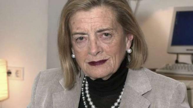 Fotografía de archivo (30/3/04) de la escritora Josefina Aldecoa, que fallecida a los 85 años.