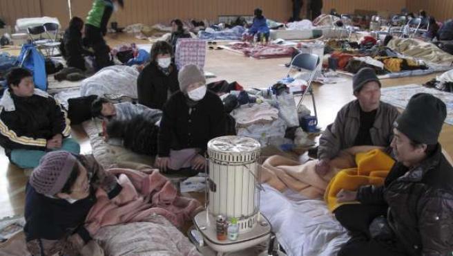 Evacuados en la localidad de Ostichi, Japón.