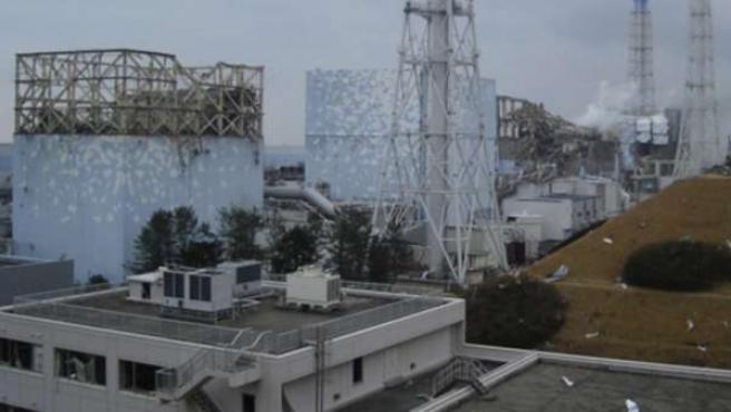Imagen tomada el día 15 de marzo de los reactores 1, 2, 3 y 4 de la central nuclear de Fukushima.