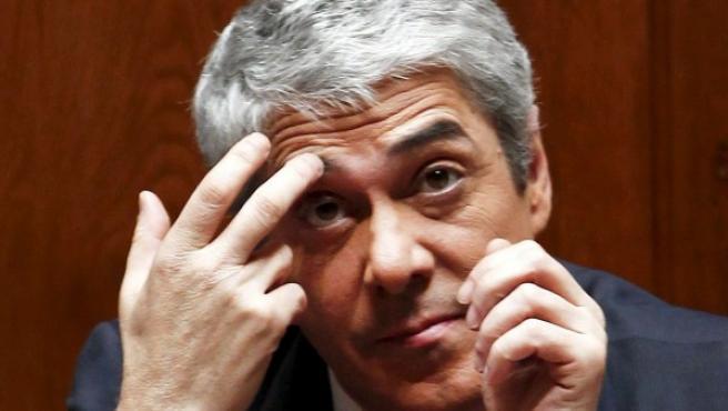 El primer ministro portugués, José Sócrates, durante el debate parlamentario sobre el plan de austeridad.