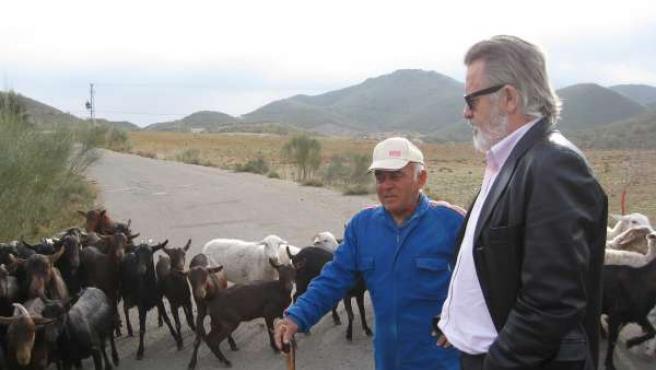 El delegado provincial de Agricultura y Pesca en Almería, Juan Deus, visita una