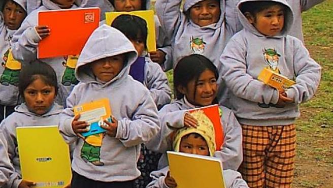 Niños con el material escolar