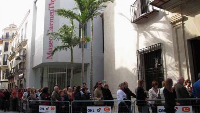 Colas en el primer día de apertura gratuita del Museo Thyssen de Málaga