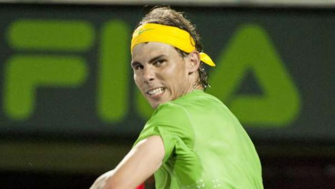 El tenista español Rafael Nadal celebra tras vencer al japonés Kei Nishikori.