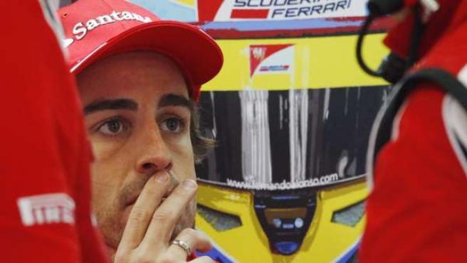 Alonso, pensativo.