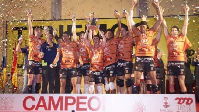CAI Voleibol Teruel, campeón de la Copa.
