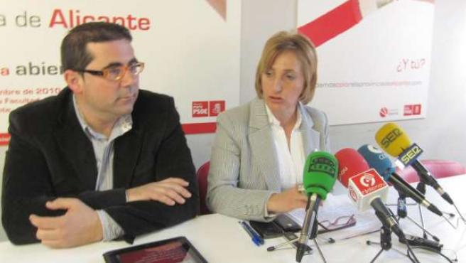 La secretaria provincial del PSPV, Ana Barceló, y el coordinador del Comité Elec