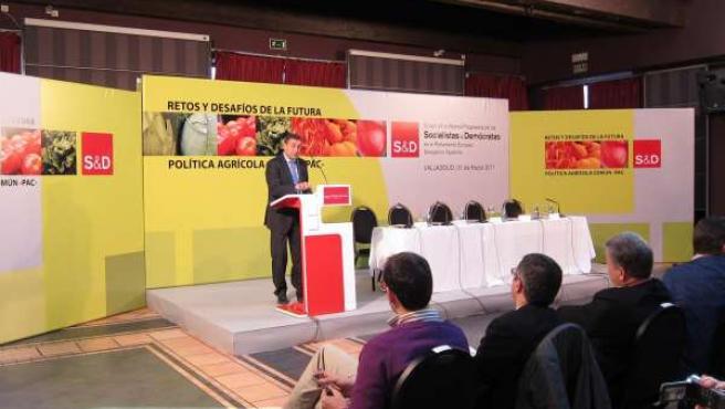 El secretario de Estado del Medio Rural y Agua, Josep Puxeu, en unas jornadas so