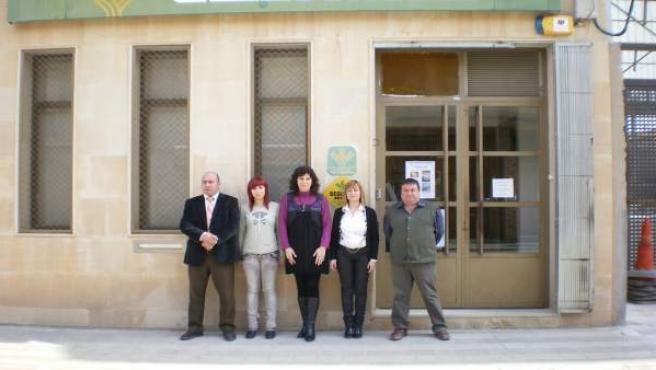 Los empleados de la caja, Prudenci Daviu, Sandra Daviu, Salomé Cuadrat, Esther Martí y Joan Meseguer.