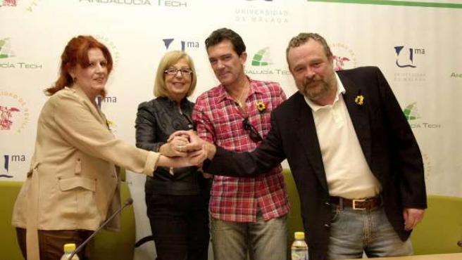 El actor Antonio Banderas asiste a la firma de unc onvenio entre la Universidad